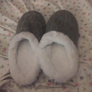Shoes - NWOT Memory foam slippers